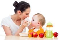 como alimentar un bebé