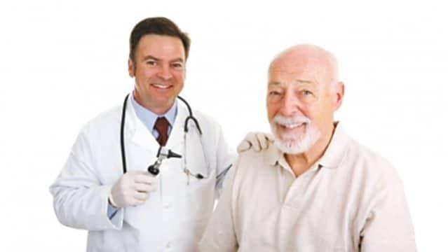 seguros medicos ideales para personas mayores