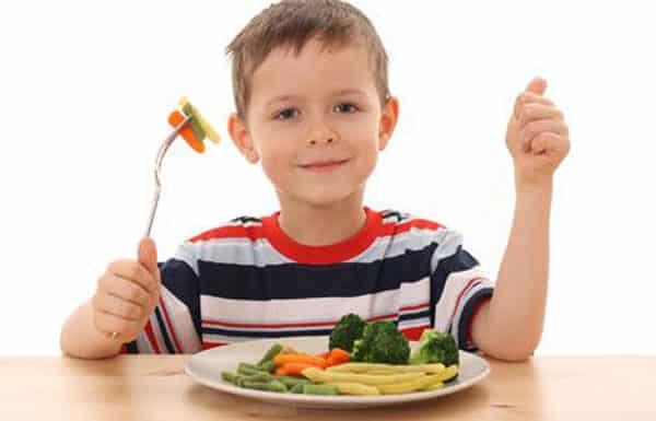 Cómo lograr que los niños coman sin tener que obligarlos?